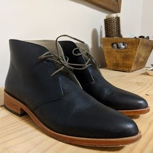 Nisolo Isa Boot Chukka in Black Leather